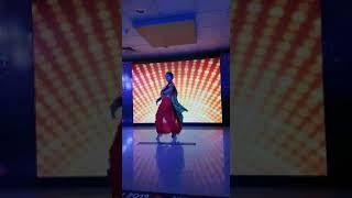 LAAVNI DANCE!!! MARATHI MULGI DANCE ,super entertaining marathi laavni dance, very sexy dance laavni