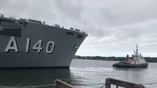 PHM Atlântico suspendendo de Plymouth rumo ao Brasil