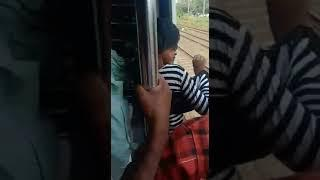 Girl narrowly Escaped by boy in local train Mumbai India