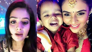 Sreemukhi doing fun with cute small boy and Girl at Sarigamapa Lil Championship Stage | Sarigamapa