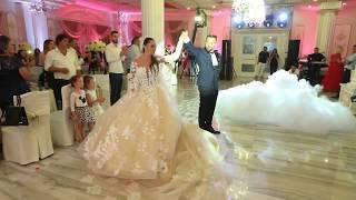 Dasma Shqiptare - Renato & Edlira - Hyrja e ciftit ne lokal