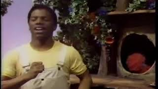 The Great Space Coaster (1981 full episode, begins with Knock Knock's photo collection)