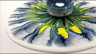 The leaky mug is back - Acrylic pour painting for beginners